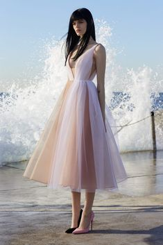 Get inspired and discover Alex Perry trunkshow! Shop the latest Alex Perry collection at Moda Operandi. Alex Perry, Short Dresses, Prom Dresses, Formal Dresses, Midi Dresses, Vintage Prom, Beautiful Gowns, Dream Dress, Pretty Dresses