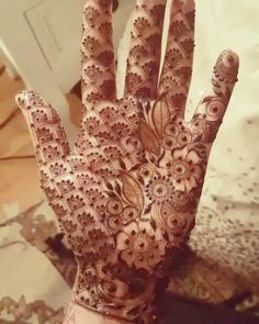 Super Ideas for skin art project Unique Mehndi Designs, Beautiful Mehndi Design, Latest Mehndi Designs, Mehndi Designs For Hands, Mehndi Art, Henna Mehndi, Arabic Henna, Henna Art, Mehendi