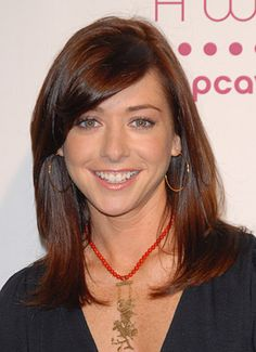 Alyson Hannigan shoulder length hair