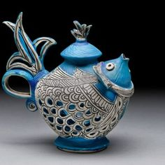 Another amazing teapot by my even more amazing pottery teacher, Tripti Yoganathan click now for info. Pottery Teapots, Ceramic Teapots, Ceramic Pottery, Ceramic Art, Blue Pottery, Teapots Unique, Vintage Teapots, Cute Teapot, Teapots And Cups