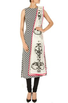 Black and white triangle print kurta set BY PAYAL SINGHAL. Shop now at perniaspopupshop.com #perniaspopupshop #clothes #womensfashion #love #indiandesigner #payalsinghal #happyshopping #sexy #chic #fabulous #PerniasPopUpShop
