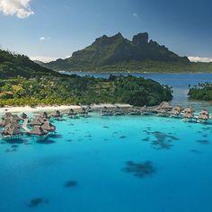 Paul Gauguin arrive au cinéma la semaine prochaine dans GAUGUIN  VOYAGE DE TAHITI (un film dEdouard Deluc avec @vincentcassel) ! Vous rêvez de découvrir les décors qui l'ont tant inspiré  ? @airtahitinui vous fait gagner 2 billets d'avion pour Tahiti  ! Pour participer rendez-vous sur la page Facebook Air Tahiti Nui France. #tahiti #voyage #gauguinlefilm #vacances  via ELLE FRANCE MAGAZINE OFFICIAL INSTAGRAM - Fashion Campaigns  Haute Couture  Advertising  Editorial Photography  Magazine…