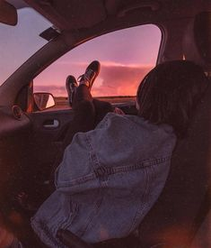 Latest News: Entertainment Stocks Sky News 2020 01 ideas de fotos en autos Grunge Photography, Girl Photography Poses, Tumblr Photography, Urban Photography, Tumblr Aesthetic Photography, Photography Composition, Digital Photography, Nature Photography, Summer Aesthetic