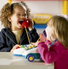 Autisme et langage: Comment enseigner l'imitation motrice