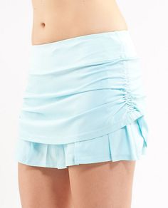 I really want to be able to pull off the whole running skirt thing...