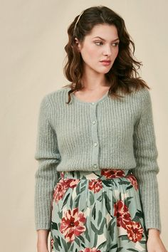Winter Fashion Outfits, Spring Summer Fashion, Classy Outfits, Cute Outfits, Cardigan Design, Knitwear Fashion, Pulls, Nylons, Casual