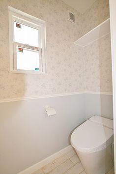 フレンチスタイル Laundry Room Bathroom, Bathrooms, Powder Room, Toilet, Bathtub, Interior, House, Color, Standing Bath
