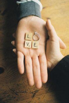Quieres pedirle a tu pareja que se case contigo y no sabes como hacerlo de una forma diferente y que verdaderamente le sorprenda?? Pues hoy os traemos 10 ideas para pedir su mano de una forma tan original que seguro que lograrás que recuerde ese momento para toda la vida.