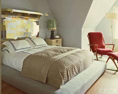 A modern bedroom with Benjamin Moore Winter Gray
