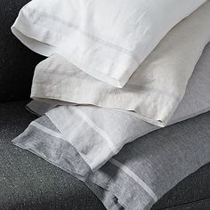 west elm's modern bed sheet sets are soft and comfortable. Our collection includes organic cotton sheet sets, Tencel bed sheets, linen sheets and more. Modern Bed Sheets, Cheap Bed Sheets, Linen Sheets, Linen Duvet, Designer Bed Sheets, Bedroom Plants, Bed Sheet Sets, Bed Sets, Bed Styling