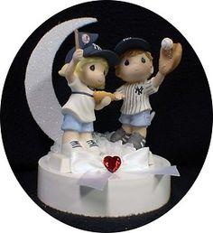 Love this! New York Yankees Baseball FANS Wedding Cake Topper