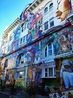 A local's guide to the Mission District in San Francisco! http://townske.com/guide/13745/highlights-of-the-mission-district