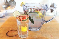 Agua con sabor a Fresa+ Pepino+ Limón☆