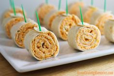 Need an easy party food for game day? Buffalo Chicken Tortilla Pinwheels are a MUST! This easy appetizer recipe has shredded chicken, plenty of cheese & wing sauce all rolled up in tortilla. All the flavors of buffalo chicken wings, without the mess! Finger Food Appetizers, Yummy Appetizers, Appetizers For Party, Appetizer Recipes, Snack Recipes, Appetizers Superbowl, Avacado Appetizers, Prociutto Appetizers, Party Recipes