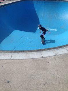Skating the Bowl at Bondi  #skatepark #skate #skateboarding #skatinit