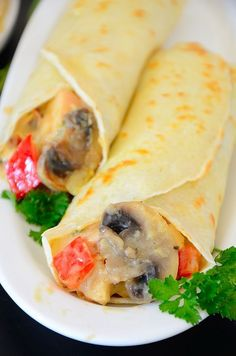 These easy Chicken Crepes elevate your leftover chicken to new heights! Crepes were the 'original' wraps well before Asian cuisine became familiar to us. Chicken Soup Base, White Wine Chicken, Chicken And Mushroom Crepe Recipe, Chicken Crepes, Dry Soup Mix, French Crepes, Crepe Recipes, Different Vegetables, White Meat