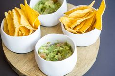 Guacamole met nacho's (Willem en Miette) - Mijn Pop-up restaurant 2016 - VTM Koken ! Snacks Für Party, Appetizers For Party, Tapas, Yummy Snacks, Yummy Food, Seafood Diet, Cooking Recipes, Healthy Recipes, Food Facts
