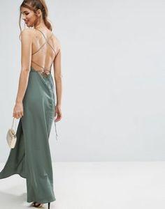 Vestido maxi escotado con tira en la espalda de ASOS