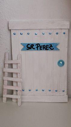 LA LOLA DREAMS: Las Puertas del Ratoncito Pérez de LA LOLA DREAMS Fairy Doors, Fimo Clay, Popsicle Sticks, Diy For Kids, Ideas Para, Scrapbook, Diy Crafts, Crafty, Holiday Decor