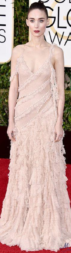 2016 Golden Globes Red Carpet Arrivals   Rooney Mara in Alexander McQueen