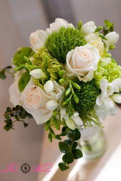 Google Image Result for http://static.weddingcometrue.com/weddcometrue/2010/09/choose-wedding-flowers-2.jpg