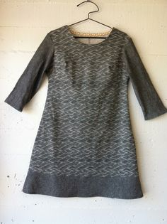 100 acts of sewing dress 97 materials: organic cotton print and cotton linen blend pattern: own made for Sarah Dress Outfits, Fashion Outfits, Dresses, Sewing Online, Make Your Own Clothes, Couture, Fashion Fabric, Sewing Clothes, Dress Patterns