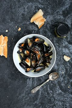 Mussels in a creamy mustard sauce!