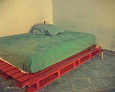 DIY pallet   messy bed