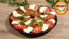 Tomaten-Mozzarella Salat - Rezept von Nobbi´s Kochstunde Tomate Mozzarella, Caprese Salad, Food, Lettuce Recipes, Vegetarian Recipes, Lemon, Italian Recipes, Fresh, Food And Drinks