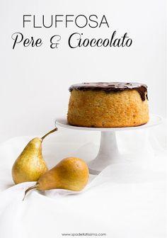 Fluffosa (Chiffon cake) alle pere con copertura di cioccolato
