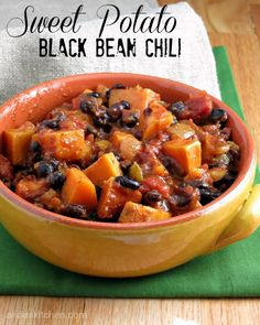 Potato Black Bean Chili Sweet Potato Black Bean Chili is a chunky, spicy chili with a hint of sweetness and a healthy one-pot meal.Sweet Potato Black Bean Chili is a chunky, spicy chili with a hint of sweetness and a healthy one-pot meal. Chili Recipes, Veggie Recipes, Whole Food Recipes, Dinner Recipes, Cooking Recipes, Healthy Recipes, Fall Vegetarian Recipes, Fall Recipes, Vegaterian Recipes