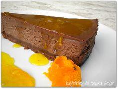 Chocolate cheesecake com calda de laranja