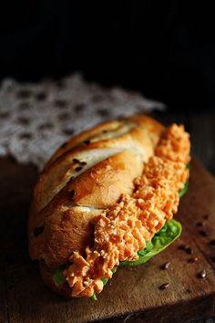 ~ KÖRÖZÖTTES MOLNÁRKA ~ Hungary Food, Bread, Dishes, Blog, Desk, Desktop, Brot, Tablewares, Table Desk