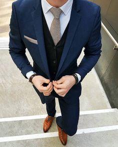 anzug farbe blau hemd weiß krawatte grau schuhe braun hellbraun anzug ideen zum style