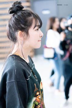 seulgi Park Sooyoung, Kang Seulgi, Red Velvet Joy, Red Velvet Seulgi, Red Velvet Irene, Kim Yerim, Velvet Fashion, Korean Girl Groups, Parks