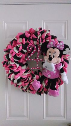 Hey, I found this really awesome Etsy listing at https://www.etsy.com/listing/190785619/minnie-mousemickey-mouse-balloon-wreath