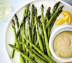 Roasted-asparagus-and-creamy-tahini-dip