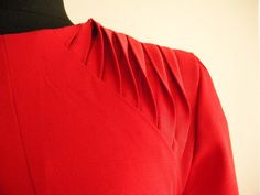 Watch and Learn Grasshopper - Origami Raglan Sleeves Tutorial - sewing your style