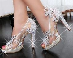 If you want to find very comfortable wedding shoes you have two top choices, one is to wear cowgirl wedding boots (as many of our readers choose). Pretty Shoes, Beautiful Shoes, Cute Shoes, Me Too Shoes, Awesome Shoes, High Heels Stiletto, Stilettos, Butterfly Shoes, Shoe Boots