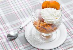 Deser lodowy z kaki #intermarche #inspiracje #kaki #deseryLodowe Panna Cotta, Pudding, Ethnic Recipes, Desserts, Food, Tailgate Desserts, Dulce De Leche, Deserts, Custard Pudding