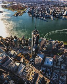 One World Trade Center by Paul Seibert @PSeibertPhoto - New York City Feelings