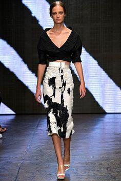 Donna Karan, New York Fashion Week, Frühjahr-/Sommermode 2015 Fashion Moda, Love Fashion, Runway Fashion, Fashion Show, Fashion Design, Fashion Spring, Donna Karan, New York Fashion, Winter Typ
