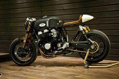 Honda Cafe Racer by Oficina MRS #caferacer #motos #motorcycles | caferacerpasion.com