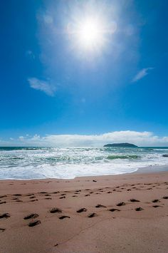Tairua - Another of my favorite places in NZ! Beautiful World, Beautiful Places, Long White Cloud, Kiwiana, Sunny Beach, Salt And Water, What Is Like, Homeland, New Zealand