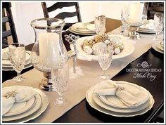 Christmas Table Setting Ideas - White Christmas Table Setting with a Gorgeous Centerpiece!