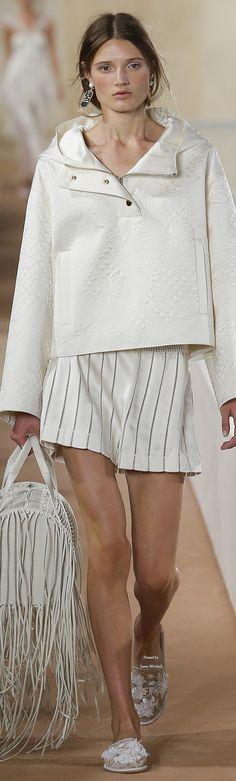 Balenciaga Collection Spring 2016 Ready-to-Wear