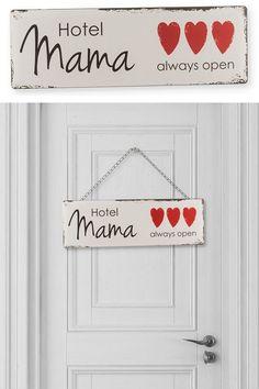 Mama Hotel vintage fém tábla. A Hotel Mama a legjobb, legolcsóbb megoldás! Anyu hotelben van finom étel, ingyen szállás, mosás, vasalás és persze...