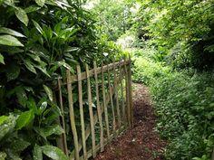 Trädgård i Torslanda: Eastleach House - möt det oväntade