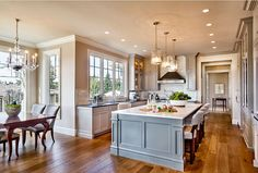 Gray kitchen layout. Gray kitchen breakfast noof layout. Gray kitchen layout. Breakfast nook and gray kitchen layout. #Graykitchenlayout #GrayKitchen #breakfastnook