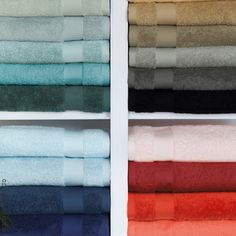 Indulge in softness and simplicity with the Bello 100% combed cotton towel made in Belgium. These towels, woven from the finest cotton, provide superior absorbency and feature a wide honeycomb-patterned dobby. Sferra uses a revolutionary dyeing technique that preserves color long after washings. The colors coordinate perfectly with the Maestro Bath Rug.